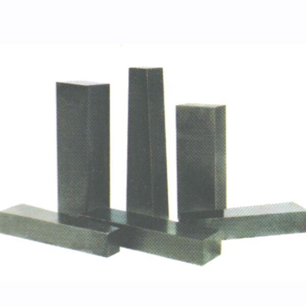 镁碳砖与铝镁碳砖之间的区别,采用的原料不一样